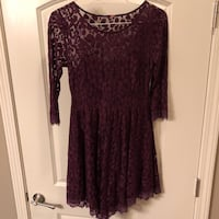 women's maroon long-sleeved dress