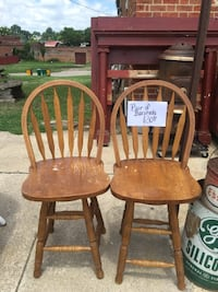two brown wooden windsor chairs Hopewell, 23860