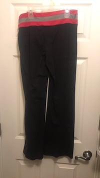Yoga  pants reversible  two pairs Vancouver, 98682