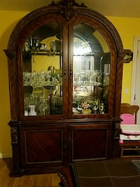 2 piece China Cabinet Fairfield, 94533