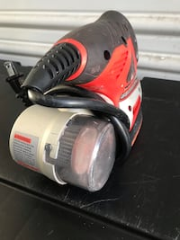 Mouse sander with cyclone vacuum action