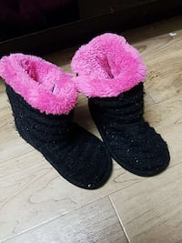 pair of black-and-pink snow boots Simi Valley, 93065