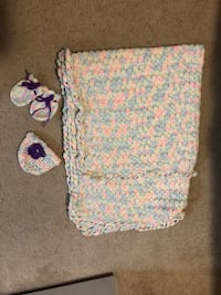 Baby blanket hat and mitts  Mississauga, L5R 4C5