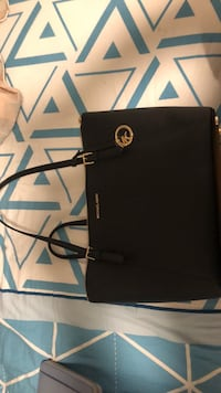 black leather Michael Kors tote bag Markham, L3S 4E4