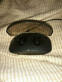 Bluetooth headphones with case and charger Southfield