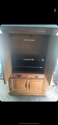 Solid Wood entertainment center/ tv stand/ Armoire  Lincoln, 68505