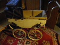 vintage triang doll buggy, large size, as found condition Corbyville