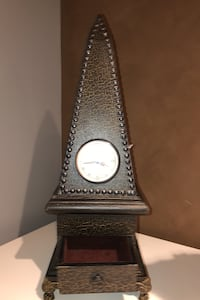 Table accent clock Mississauga, L5L 5H2