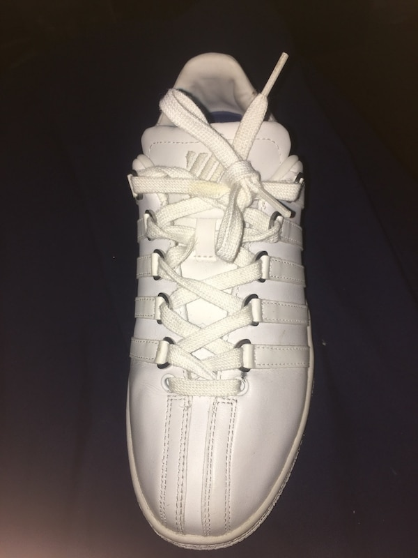 2643a6a20698b Used unpaired white Adidas Yeezy Boost 350 for sale in Selma - letgo