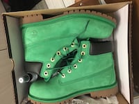 Pair of green timberland boots with box: 8/10 Condition. Size 7 Tucson, 85719