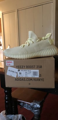 pair of white Adidas Yeezy Boost 350 V2 with box New York, 11207