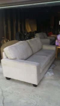 Couch love seat dax collection  Regina