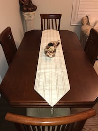 Dining Table with Chairs Oshawa, L1L