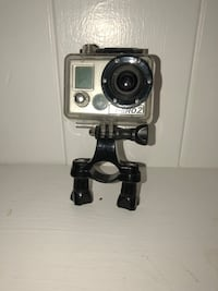 Go Pro Hero 2 with hard shell and charging chord. Bristol, 37620