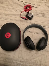 Beats black headphones / not wireless  Fairfax, 22031