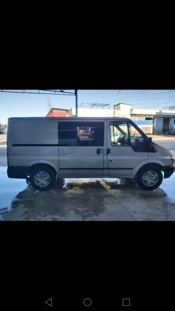 2003 model Ford transit c4582307-97c4-482d-ac72-21ca1bb4f04c