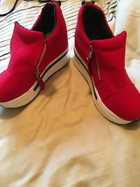 Red-and-white side-zip slip-on walking shoes