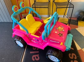 New 12v Pink Barbie Jeep Power Wheel w/ Charger
