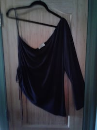 Size 1X Brand MXM Black BARE SHOULDER Dress BLOUSE * IF AD'S UP, IT'S STILL AVAILABLE Hamilton