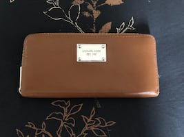 Michael Kors Leather Wallet Excellent condition