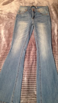 NEW jeans never worn. Size S-M. Fits perfect Cranston, 02921