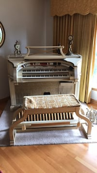 BALDWIN CONCERT White French Provincial Organ upright organ Chicago, 60646
