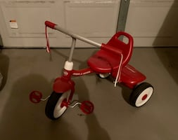 Radio Flyer plastic tricycle