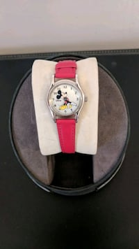 round silver analog watch with red leather strap Syracuse, 13212