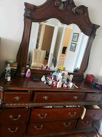 Beautiful dresser with mirror Springfield, 22153