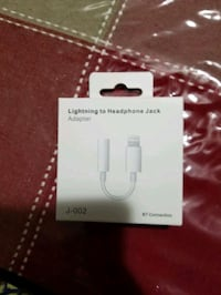 Selling Original Apple Lighting Headphones Jack Toronto, M1J 2H9
