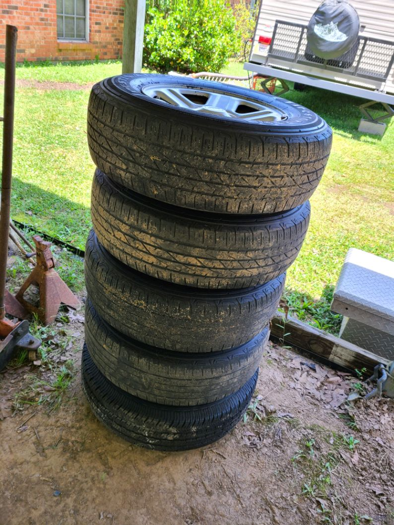 Photo Jeep wrangler tires and rims