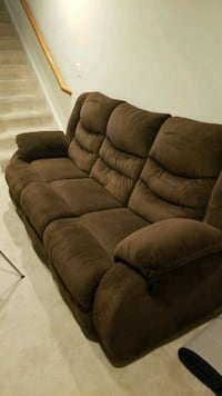 Brown reclining sofa Broadlands, 20148