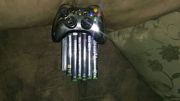 Xbox 360 7 games one controller