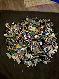 15lbs of assorted Lego Russell, K4R 1E5