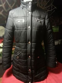 Womens winter coat. Liz Claiborne black. Medium