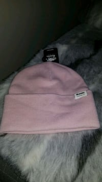 Brand new with tag - authentic Roots toque
