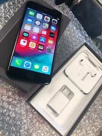 iPhone 8 UL with OG accessories like NEW Tampa, 33612