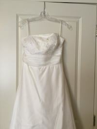 Size 16 Pallas Athena wedding dress Calgary, T3N