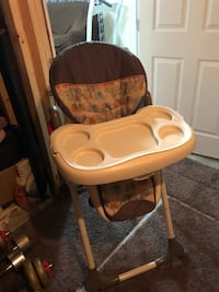 Baby's black and white high chair Edmonton, T6T 0M3