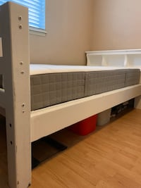 Bunk Beds/2 Twin Beds