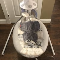 baby's white and gray cradle n swing Los Angeles, 91335