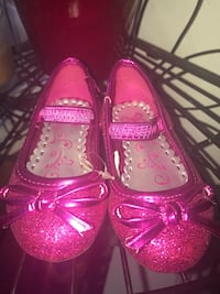 toddler's pair of glittered bow accent leather mary jane ballet flats Bridgeport, 06610