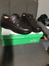 Pair of black leather shoes Saint Charles, 63304