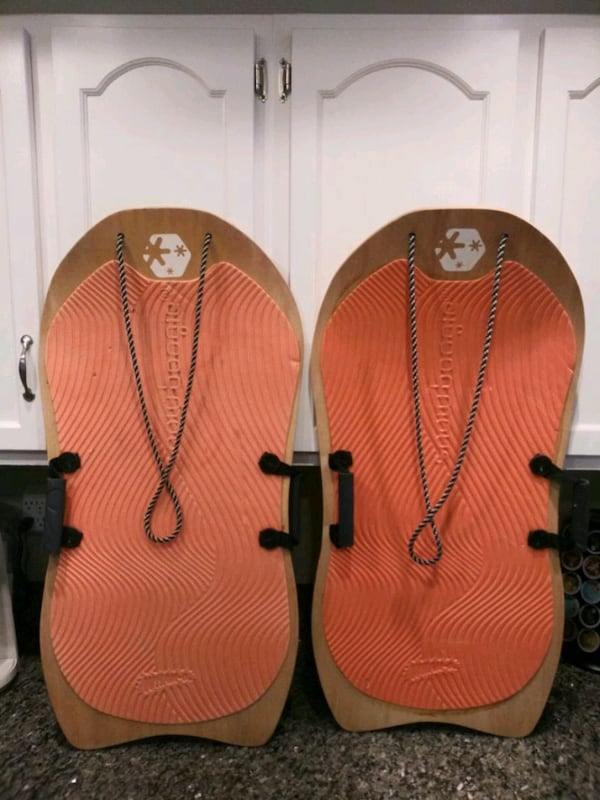 Wood snow sled pair 33c32d52-2816-4f28-aaee-e70cdad32be7