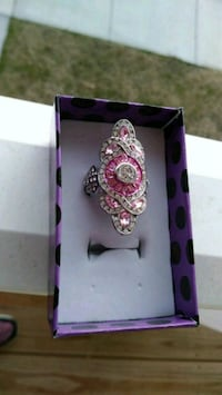 Beautiful Sterling Silver Pink sapphire ring Salisbury