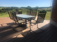 6 Person Patio set & Umbrella  Caledon, L7K 0E5