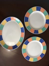 White, blue, and green ceramic plates Lévis, G6V
