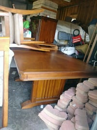 Beautiful dining table leaf and 4chairs  Chestertown, 21620