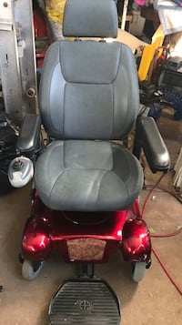 Power Chair w/vehicle lift The Village, 73120