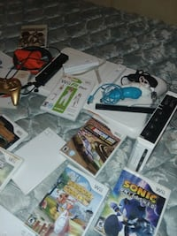 Wii and wii Fit board accessories and games Troy, 27371
